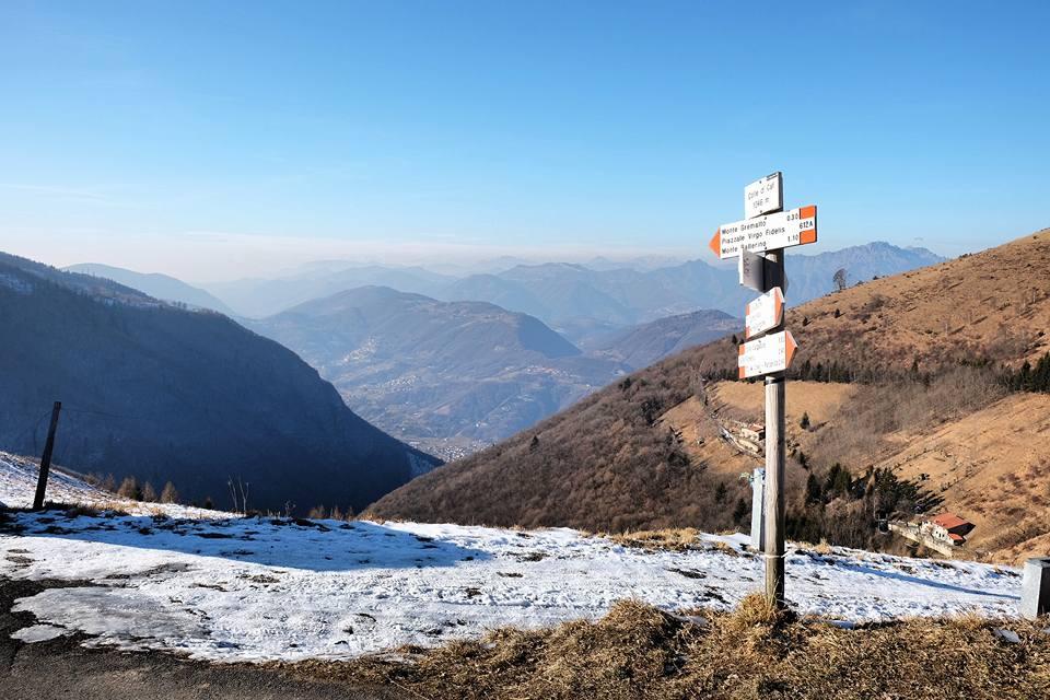 Verso il Monte Torrezzo: lo stracchino del Bronzone